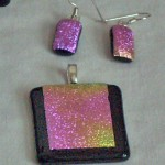 pink dichro pendant and earrings 2